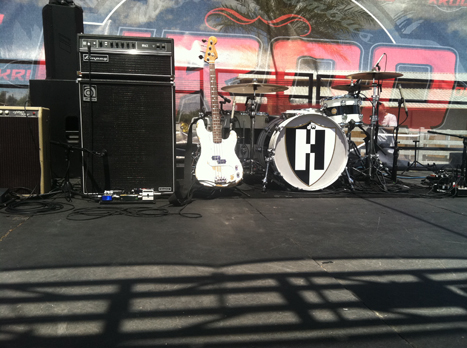 Hives_backline-2